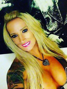 Bobbie Blaze-Highly reviewed model