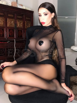 Elle English GFE sensual Mistress.