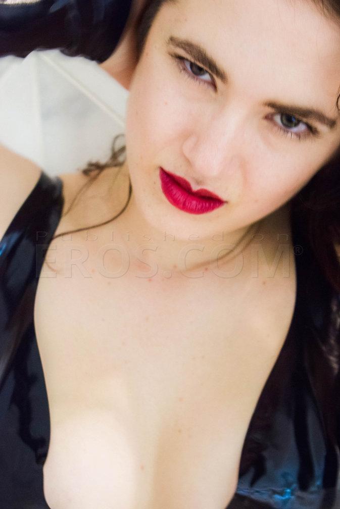 Mistress Natasya von Woelfe
