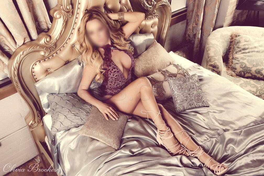 VIP Olivia Brookes
