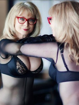 Porn Star Nina Hartley